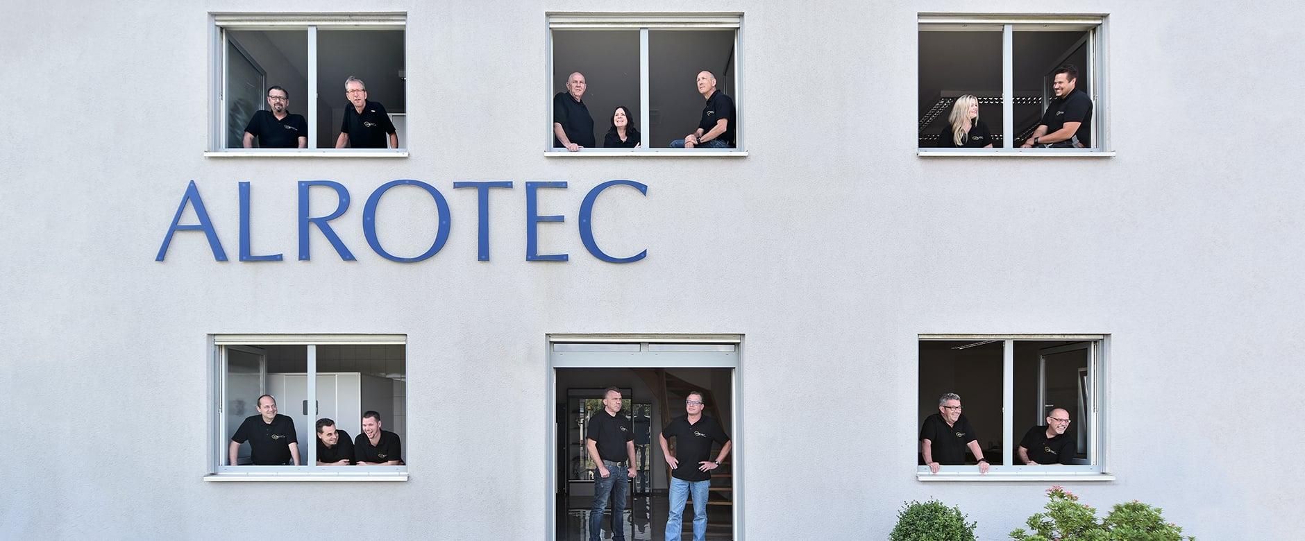 Das ALROTEC-Team im ALROTEC-Gebäude